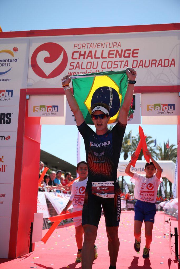 Eduardo Less comemorando o vice campeonato na Espanha/ Foto: Challenge Salou Costa Daurada
