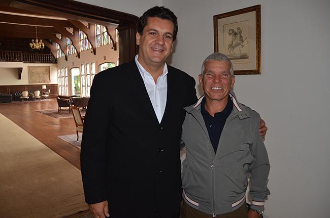 Ronaldo Bittencourt com Cesar Almeida, que segue como representante dos cavaleiros na gestão CBH 2017 a 2020