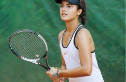 Tenista Luana Avelar