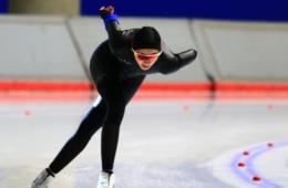 Larissa Paes durante competição de patinação no gelo