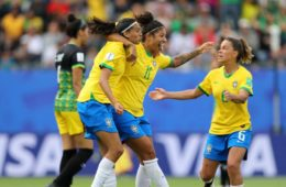 Brasil começa Copa do Mundo com vitória