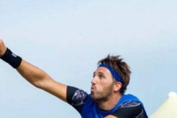 Alex Mingozzin em ação no Beach Tennis