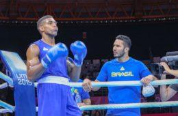 Mateus Alves e o atleta Abner