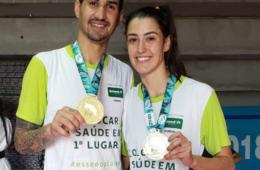 Netinho Marques e Talisca Reis exibem medalha de ouro