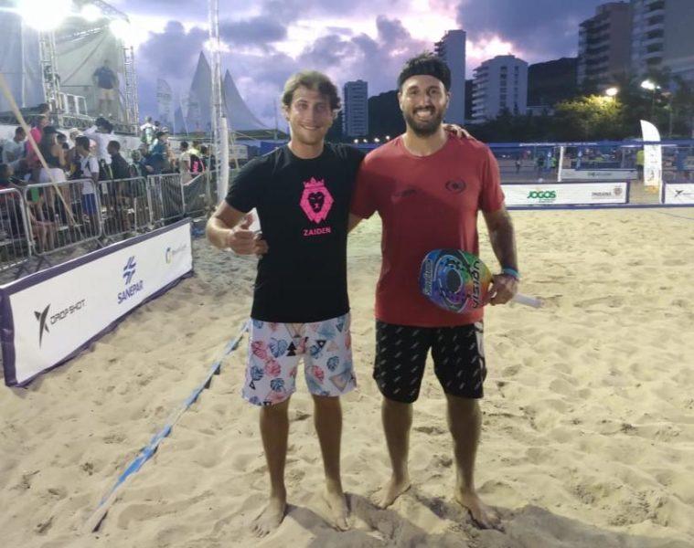 Alex e seu parceiro Daniel, jogam em Buenos Aires